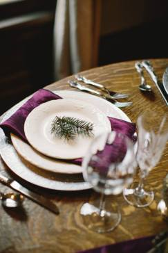 woodsy rustic wedding place setting